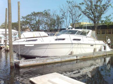Sea Ray SRV 360 Express, 38', for sale - $21,900