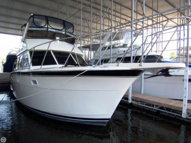 Hatteras 37 Double Cabin Flybridge, 38', for sale - $129,000