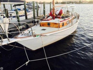 Custom 33, 35', for sale - $27,500