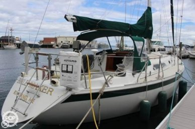 Ericson Yachts 38-200, 37', for sale - $45,000
