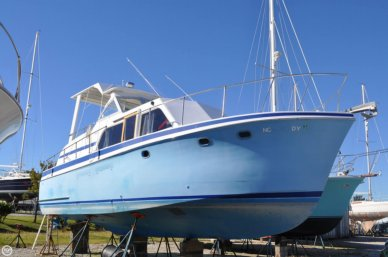 Hatteras Double Cabin 34, 34', for sale - $17,500