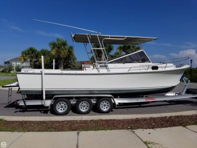 Shamrock 260 Cuddy, 25', for sale - $30,900