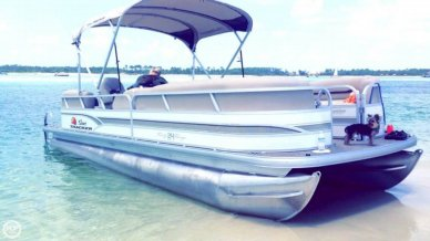 Sun Tracker Party Barge 24 DLX Signature, 26', for sale - $30,900