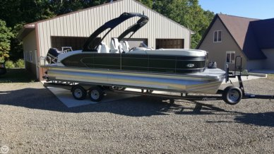 Manitou 25 X-plode SHP Tritoon, 26', for sale - $81,000