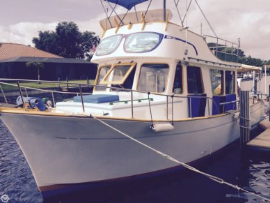 CHB 34, 33', for sale - $27,800