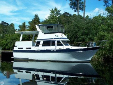 Californian 38 Double Cabin Motoryacht, 37', for sale - $38,000