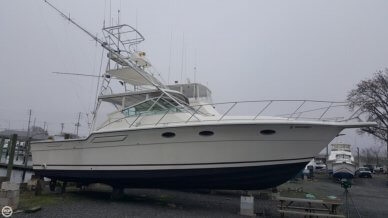 Tiara 3600, 39', for sale - $52,500