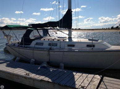 Pearson 303, 30', for sale - $18,900