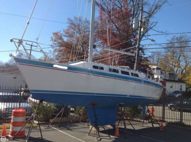 Laguna 30, 30', for sale - $12,500