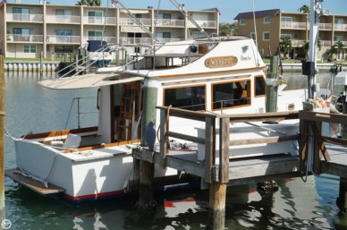 Cheoy Lee 28 Sedan Trawler, 27', for sale - $40,000