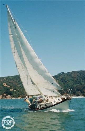 Philip Rhodes Traveller 32, 37', for sale - $15,900