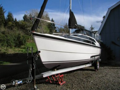 MacGregor 26M, 25', for sale - $23,750