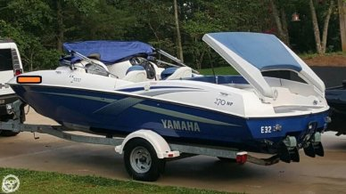 Yamaha LX 2000, 19', for sale - $15,750