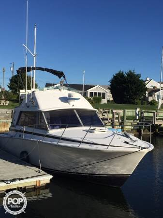 Bertram 33 Convertible, 32', for sale - $27,900