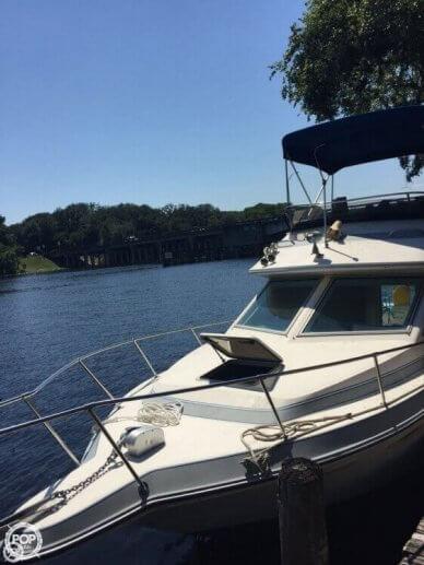 Sea Ray 265 Sedan Bridge, 26', for sale - $18,500