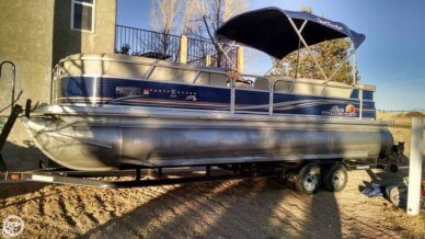 Sun Tracker TriToon Party Barge DLX XP3, 24', for sale - $34,700