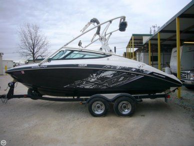 Yamaha 212X, 21', for sale - $39,800