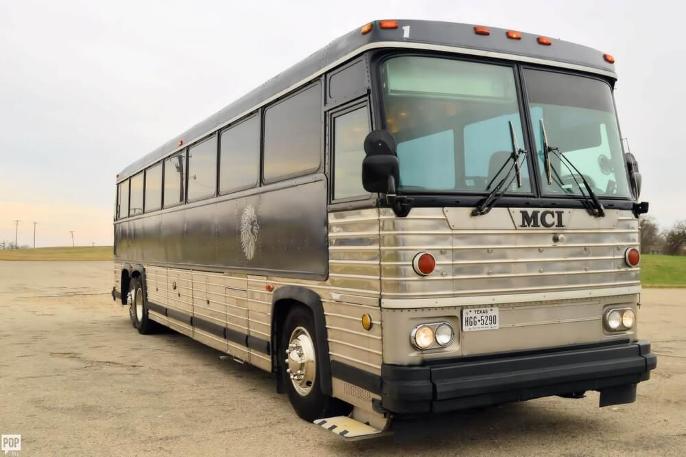 SOLD: MCI MC-9 Crusader II RV in Runaway Bay, TX | 123085