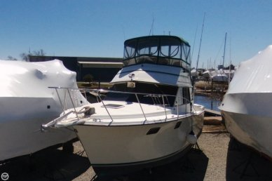Carver 3227, 32', for sale - $12,500