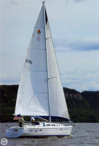 Catalina 380, 38', for sale - $122,300