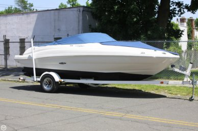 Sea Ray 200 Sundeck, 21', for sale - $19,900