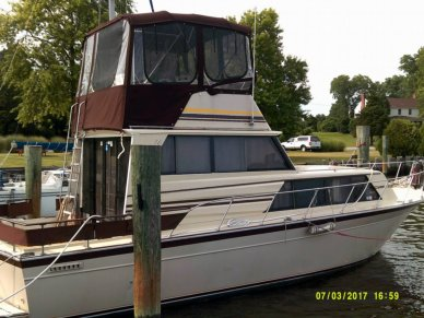 Marinette Sedan Bridge 32, 32', for sale - $24,000