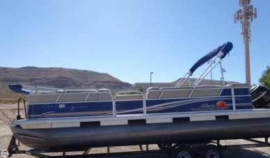 Sun Tracker Party Barge 24 DLX, 26', for sale - $27,500