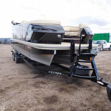 Larson Escape 23 TTT, 23', for sale - $45,000