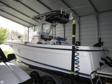 Trophy 2503 CC, 28', for sale - $27,995