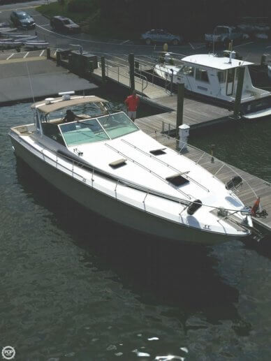 Sea Ray 390 Express, 43', for sale - $25,000