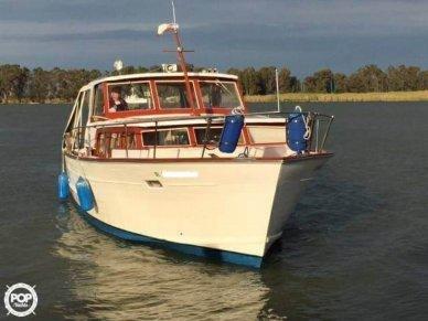 Trojan Sea Breeze 3400 Express, 34', for sale - $16,450