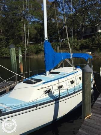Hunter 27 Cherubini, 27', for sale - $10,000