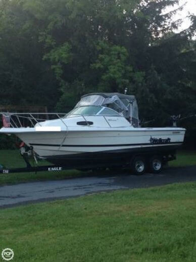 Wellcraft 22 Walkaround, 23', for sale - $15,900