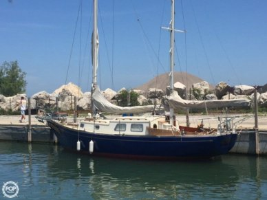 Mariner 31, 38', for sale - $25,000