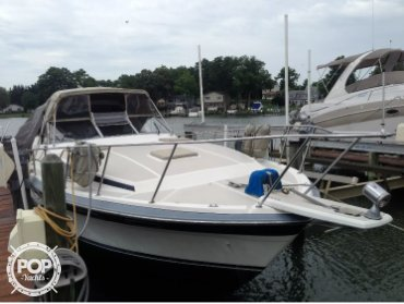 Bayliner 3250 Conquest, 32', for sale - $11,500