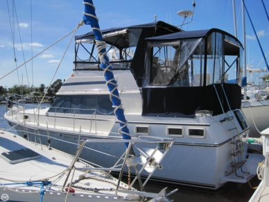 Carver 3607, 35', for sale - $39,999