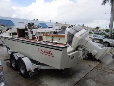 Boston Whaler Outrage 22 Cuddy, 22', for sale - $15,000