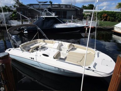 Stingray 212SC deck boat, 21', for sale - $44,500