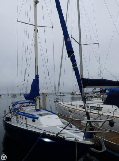 Islander 36, 36', for sale - $39,950