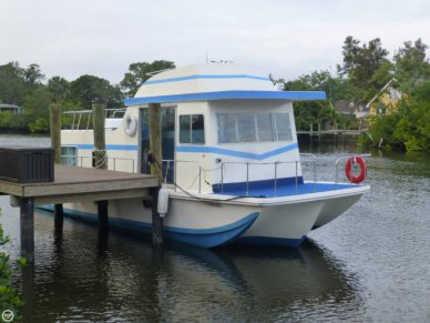 Holiday 40, 41', for sale - $23,200