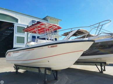Boston Whaler 230 Outrage, 23', for sale - $30,000