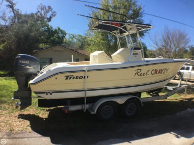 Triton 2486 CC, 25', for sale - $31,700