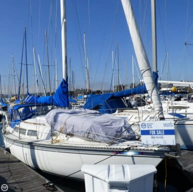 Newport 33, 33', for sale - $17,700