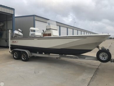 Boston Whaler 22 Outrage, 22', for sale - $24,400