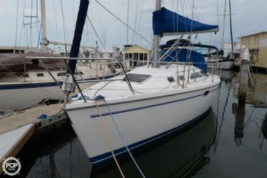 Catalina 320, 32', for sale - $42,900