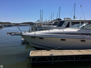 Donzi 3250 LXC, 33', for sale - $37,000