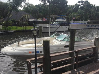 Sea Ray 240 Sundeck, 26', for sale - $35,600
