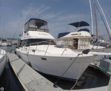 Bayliner 3288 Motor Yacht, 32', for sale - $45,000