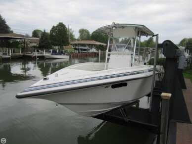 Fountain 25 Center Console, 25', for sale - $28,500