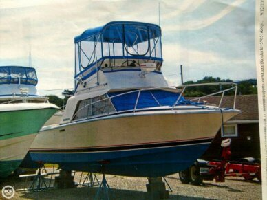 Phoenix 29 Convertible, 28', for sale - $14,000